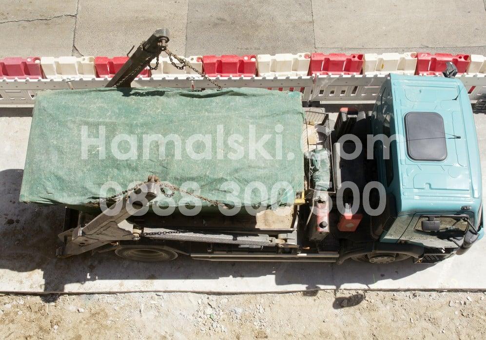Извозване на боклуци с камионите на Радослав